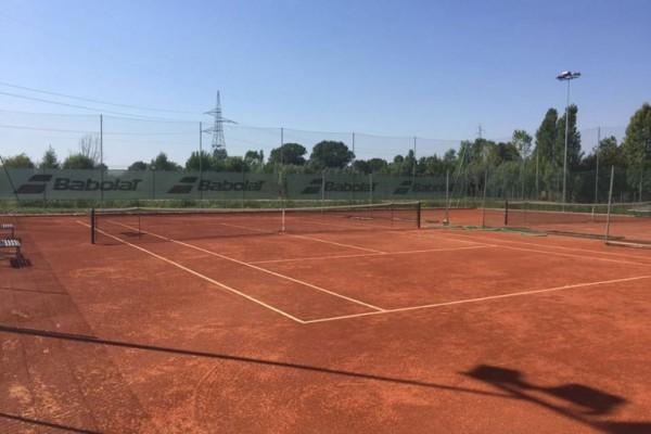 Nuovi campi da Tennis all'aperto